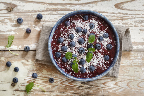 Smoothie Bowl with blueberries and coconut flakes - EVGF002927