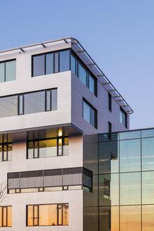 Germany, Leinfelden-Echterdingen, view to modern office buildings - WDF003586
