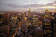 USA, New York City, Manhattan illuminated in the evening, seen from above - GIOF000894