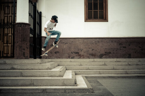 Tenerife, Teen on skateboard - SIPF000366