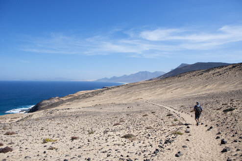 Spain, Canary Islands, Fuerteventura, hiking trail to Punta Pesebre - WWF003967