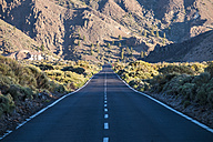 Spain, Tenerife, empty road in El Teide region - SIPF000383