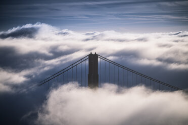 USA, San Francisco, Golden Gate bridge in fog in the morning - STCF000216