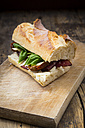 Sandwich, French white bread, smoked ham, basil, dried tomate and parmesan - LVF004805