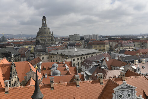 Germany, Saxony, Dresden, Old town, View to Church of Our Lady - FDF000158