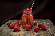 Glass of strawberry smoothie - LVF004810