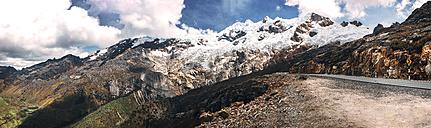 Peru, snowy mountains in Huaraz, Panoramic view - EHF000341