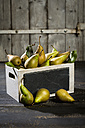 Wooden box of organic pears - MAEF011485