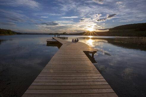 Austria, Salzburg Land, lake Mattsee at sunset - YR000104
