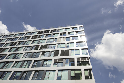Germany, Berlin, facade of modern office building - CMF000443