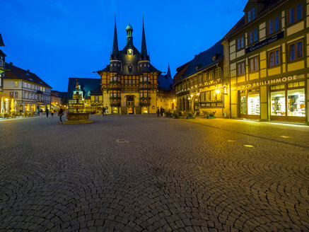 Germany, Saxony-Anhalt, Wernigerode, townhall and market place in the evening - AMF004897