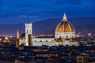 Italy, Tuscany, Florence, Santa Maria del Fiore and Campanile di Giotto at night - CSTF001091