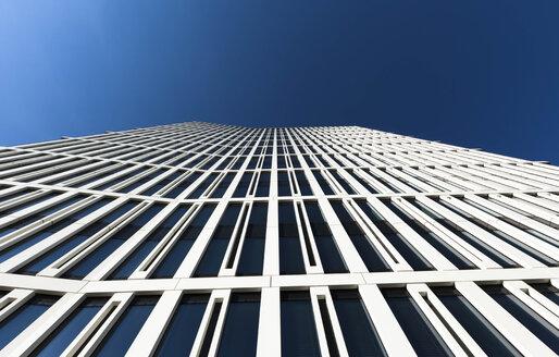 Germany, Hesse, Frankfurt, office building, blue sky - FCF000958
