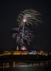 UK, Wales, Pembrokeshire, Tenby, new year fireworks - ALRF000462