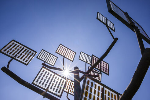 Germany, Ulm, solar tree at Solar City - WGF000862
