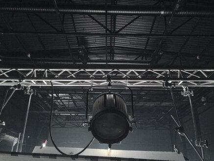 Lighting equipment on set - BZF000294