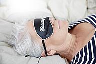 Woman with sleep mask - FMKF002726