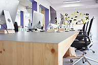 Interior of bright modern office - RHF001476