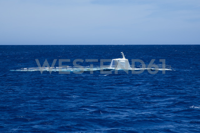Emerging submarine - NGF000325 - Nadine Ginzel/Westend61