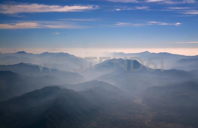 Nepal, Himalaya, Solo Khumbu, Everest region, mountainscape at twilight - ALRF000515