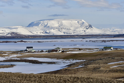 Iceland, North, lonely houses by the water - FDF000185