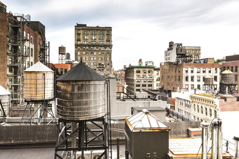 USA, New York City, Buildings and old water towers - JLRF000069