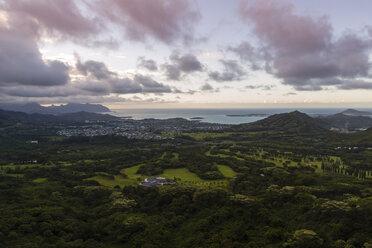 USA, Hawaii, Oahu, Nu'uanu Pali Lookout, view over Kane'ohe - NGF000346