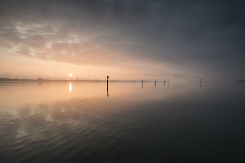 Germany, Constance district, Lake Constance, View to Radolfzell lakeshore at sunrise - ELF001771