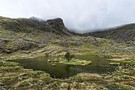 UK, North Wales, Snowdonia, Cwm Glas, Garnedd Ugain, Clogwyn y Parson, mountain lake - ALRF000523