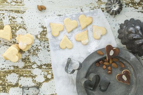 Heart-shaped Christmas cookies - ASF005897