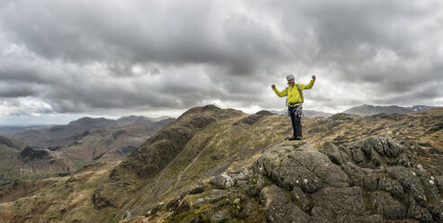 England, Cumbria, Lake District, Langdale, Harrison Stickle, climber - ALRF000548