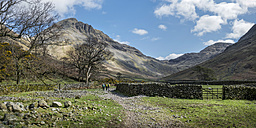 England, Cumbria, Lake District, Wasdale Valley, Great Gable, climbers - ALRF000554