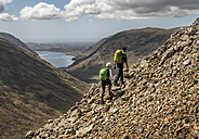 England, Cumbria, Lake District, Wasdale Valley, Great Gable, climbers - ALRF000557