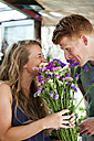 Man gifting flowers to his girlfriend - VABF000601