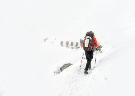 Nepal, Himalaya, Solo Khumbu, Ama Dablam, group of Gurkhas trekking - ALRF000644