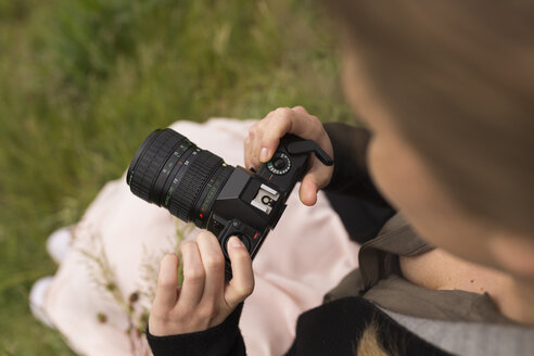 Woman with camera in nature - BOYF000445