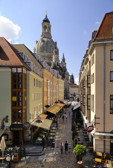 Germany, Saxony, Dresden, alley Muenzgasse and Church of Our Lady - BT000404