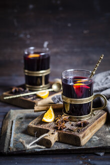 Mulled wine with oranges and spices - SBDF002956
