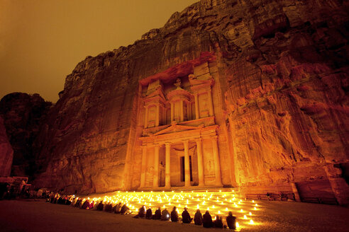Jordan, Ma'an Governorate, Petra, Al Khazneh at night - FPF000093