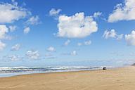 New Zealand, North Island, Northland, Ripiro Beach, Tasman Sea, longest drivable beach - GWF004786
