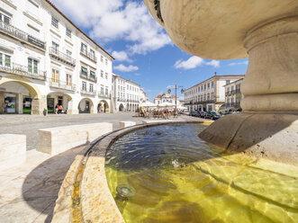 Portugal, Evora, Chafariz da Praca do Giraldo, Fountain at Praca do Giraldo - LAF001696
