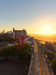 Portugal,  Alentejo, Castelo de Monsaraz, Arena in the early morning - LAF001699