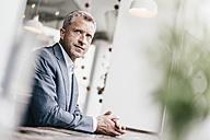 Mature businessman, portrait - KNSF000067