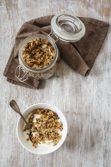 Homemade crunchy muesli, oat, amaranth and linseed - EVGF002992