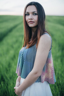 Portrait of young woman in nature - DERF000054