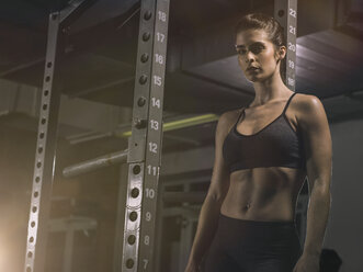 Fitness, woman in gym - MADF001021