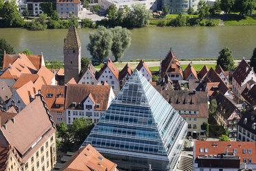 Germany, Baden-Wuerttemberg, Ulm, glass pyramide with central library, Danube river and tower Metzgerturm - SIE007061