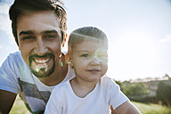 Portrait of father and little son - ZEDF000246
