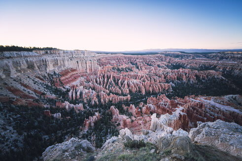 USA, Utah, Bryce Canyon National Park in the evening - EPF000129