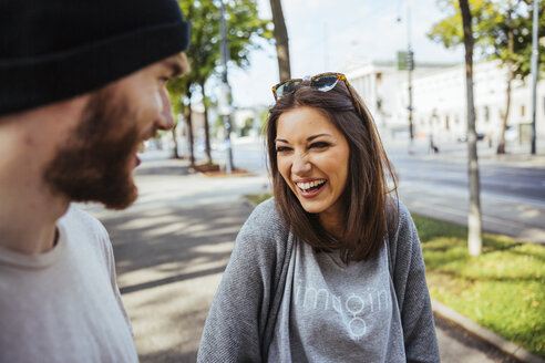 Austria, Vienna, laughing young woman with her boyfriend - AIF000371